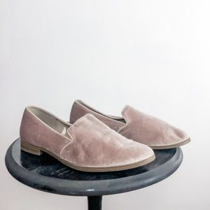 GAP women's suede loafers size 9 nwot